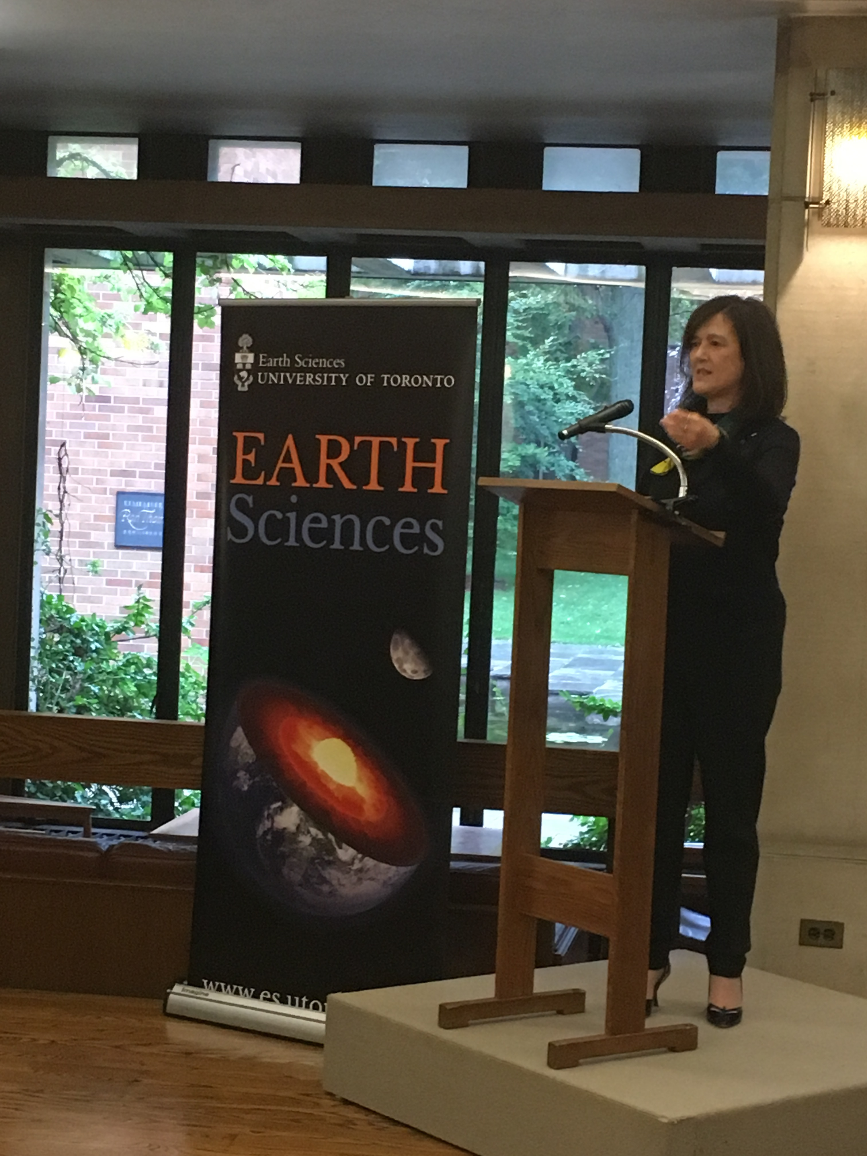Dr. Barbara Sherwood Lollar received the 2019 Gerhard Herzberg Canada Gold Medal for Science and Engineering. University of Toronto recently hosted a special reception to honour her achievement.